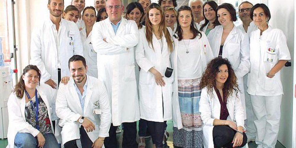 """L'annuncio di De Luca: """"Il Pascale e Ascierto stanno lavorando a un vaccino con altri due ospedali"""""""